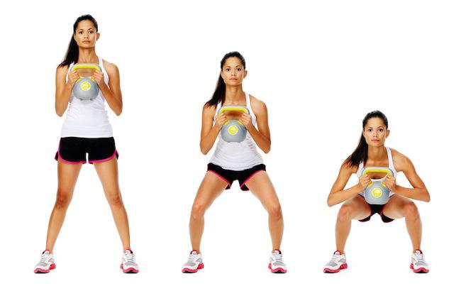 ejercicio peso muerto con kettlebells